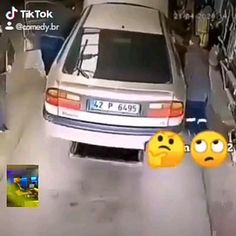Funny Falling Videos, Crazy Funny Videos, Funny Videos For Kids, Funny Video Memes, Really Funny Memes, Jokes Pics, Some Funny Jokes, Funny Films, Funny Stories
