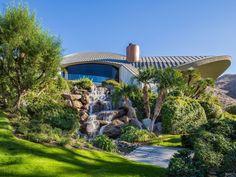 La casa di lusso appartenuta a Bob Hope nel deserto della California, è stata messa in vendita con uno sconto di ben 14 milioni di euro!