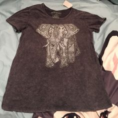 ⚡️FS⚡️Fifth Sun Elephant T-Shirt Fits like a Juniors Size Sm. Comes from a nonsmoking with fluffy furkids home. Bundle to Save! Fifth Sun Tops Tees - Short Sleeve