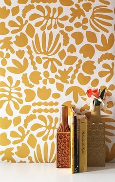 KateZarembaCompany - Removable Wallpaper // Mustard Matisse is my muse // Adheres to walls and shelves and is removable Henri Matisse, Matisse Art, Wallpaper Samples, Of Wallpaper, Designer Wallpaper, Wallpaper In Kitchen, Photo Wallpaper, Mustard Wallpaper, Elle Decor Magazine