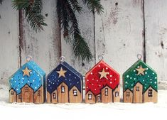 drewniane domki - zawieszki - 4 sztuki Advent Calendar, Decorating, Christmas Ornaments, Holiday Decor, Home Decor, Dekoration, Decoration, Room Decor, Christmas Jewelry