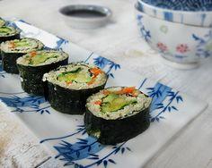 Avocado & Mango Quinoa Sushi   Queen of Quinoa   Gluten-free + Quinoa Recipes