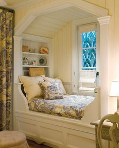 We could spend all afternoon curled up with a good book in this cozy nook. Haus einrichten We could spend all afternoon curled up with a good book in this cozy nook. Alcove Bed, Bed Nook, Cozy Nook, Cozy Corner, Bedroom Reading Nooks, Cozy Reading Corners, Cozy Bedroom, Home Decor Bedroom, Bedroom Bed