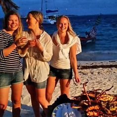 Lobster party on the beach. ⛵ #tobagocays #sailing #caribbean #buzzbeecrew #lobster #hummeriparty