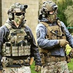 on designing a facial mask in ATACS-FG. Special Forces Gear, Military Special Forces, Paintball Gear, Airsoft Gear, Military Armor, Military Guns, Tactical Vest, Tactical Survival, Armas Airsoft