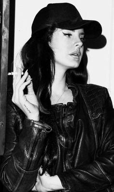 Lana at Malibu Hotel, Los Angeles (Jan. Trip Hop, Women Smoking, Girl Smoking, Dream Pop, Lana Del Rey Smoking, Lanna Del Rey, Lana Rey, In The Pale Moonlight, Grey Clouds