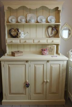Country Pine Kitchen Dresser with draws Vintage Tea Rooms, Vintage Shabby Chic, Old Fashioned Kitchen, Pine Dresser, Pine Kitchen, Kitchen Dresser, Cottage Style, Rose Cottage, Shabby Chic Kitchen