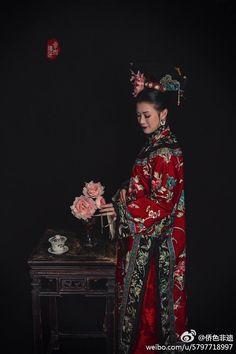 Qing Qizhuang Oriental Fashion, Ethnic Fashion, Retro Fashion, Chinese Style, Chinese Hair, Traditional Chinese, Mörderische Dinnerparty, Hanfu, Cheongsam