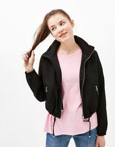 Blusão nylon com capuz - Sobretudos e casacos - Bershka Portugal