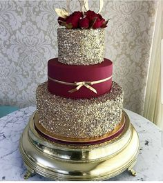 Love something big like this for my 40th bday #weddingcakes