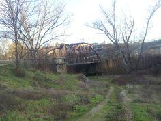 Puente de hierro sobre el río Vero en Barbastro.