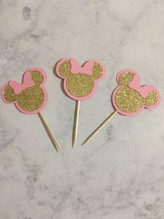 Centro de Minnie Mouse, rosa y oro Minnie Mouse, oro Glitter Minnie Mouse Theme Mickey, Minnie Mouse Theme Party, Minnie Mouse First Birthday, 1st Birthday Girls, 1st Birthday Parties, Birthday Party Decorations, Mouse Parties, Minnie Mouse Cupcake Toppers, Minnie Mouse Cake Decorations