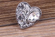 Ginger Snaps Jewelry Inspired Charm Button - 20mm - White Crystal Heart Rhinestone - Ginger Snaps inspired - Noosa inspired