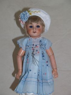 Pretty Antique French Unis 301 Bleuette Doll