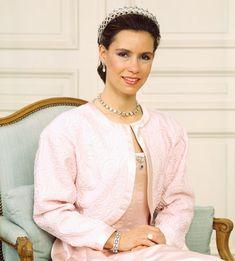 Maria Teresa, Royalty, Lady, Mens Tops, Pulsar, Weddings, Crowns, Families, Women