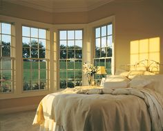 Charming bedroom with colonial style windows and a country feel. From our vendor, Andersen Windows. Wood Windows, House Windows, Windows And Doors, Bay Windows, Beautiful Bedrooms, Beautiful Interiors, Beautiful Homes, Andersen Windows, Double Hung Windows