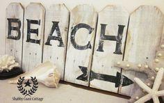 I love beach signs.. :)
