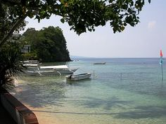 Small La Laguna Beach, Popular Smallest Beach in Puerto #Galera #Philippines #Blog #Asia