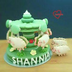 Loving Creations for You: Sheep Matcha Macaron Carousel