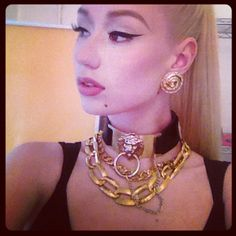 Because of the time she took her jewelry cues from '90s Versace. | 20 Reasons To Be Obsessed With Iggy Azalea