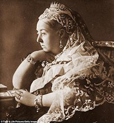 Queen Victoria of the United Kingdom wears her sunray fringe tiara in a portrait taken ca. 1897 to mark her Diamond Jubilee. The tiara was later inherited by her youngest daughter, Princess Beatrice Queen Victoria Age, Queen Victoria Birthday, Queen Victoria Prince Albert, Reine Victoria, Victoria Reign, Victoria And Albert, Victoria Post, Queen Drawing, Old Portraits