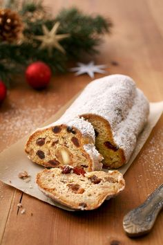 Stollen Bread, Stollen Recipe, Christmas Table Settings, Christmas Photos, Cake Recipes, Bakery, Goodies, Xmas, Sweets