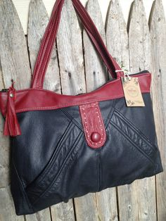 Items similar to Black East-West Bag with Red Trim on Etsy Leather Art, Sewing Leather, Handmade Handbags, Handmade Bags, Recycled Leather, Recycled Fashion, Leather Projects, Backpack Bags, Leather Purses