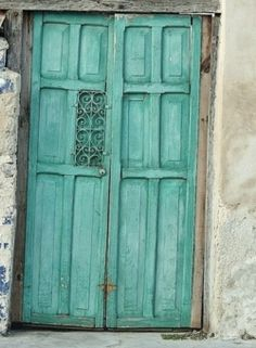One day I shall live in a house that has a door like this (I am thinking Italy or Southern France)! :-)