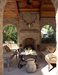 Any time there's an outdoor fireplace, I'm in. Love this outdoor living space.