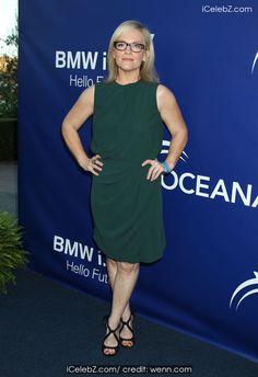 Rachael Harris 7th Annual Oceana's Annual SeaChange Summer Party http://icelebz.com/events/7th_annual_oceana_s_annual_seachange_summer_party/photo15.html