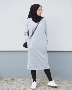 Best Ideas For Style Hijab Remaja Gemuk hijab remaja gendut Modern Hijab Fashion, Hijab Fashion Inspiration, Muslim Fashion, Modest Fashion, Fashion Dresses, Hijab Casual, Hijab Chic, Modest Dresses, Modest Outfits