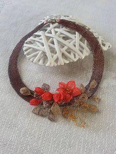 Halskette aus gehäkeltem Draht mit Ganutell Herbst von BeadStArt
