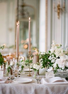 elegant neutral wedding table decoration ideas with taper candles Wedding Reception Tables, Wedding Table Centerpieces, Wedding Table Settings, Wedding Decorations, Centerpiece Ideas, Setting Table, Centerpiece Flowers, Gold Decorations, Wedding Table Setup