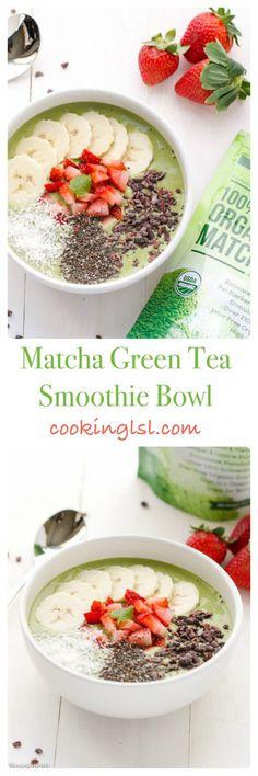 matcha-green-tea-smoothie-bowl-breakfast