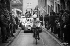 REFLECTIONS ON THE SEMI-CLASSICS BY KRISTOF RAMON - Climbing back into the narrow streets of Cassel where Gent-Wevelgem briefly dips into France.