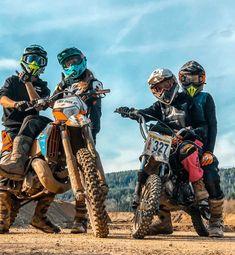 Motocross Couple, Bike Couple, Motocross Girls, Motorcycle Baby, Motorcycle Couple, Motorcycle Quotes, Triumph Motorcycles, Custom Motorcycles, Cool Dirt Bikes