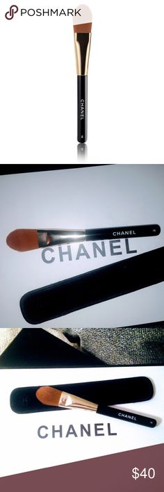 ‼️FINAL‼️CHANEL-Foundation Brush #16 Slightly rounder, tapered nylon bristles allow for precise, even application and subtle blending. New without plastic cover ‼️PRICE FIRM🚫NO OFFERS🚫TRADES. Thank you 😊 CHANEL Makeup Brushes & Tools