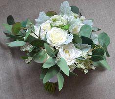 Planning A Fantastic Flower Wedding Bouquet – Bridezilla Flowers Rustic Bridal Bouquets, Silk Bridal Bouquet, Bridal Flowers, Flower Bouquet Wedding, Rose Wedding, Chic Wedding, Wedding Details, Rustic Wedding, Wedding Ideas