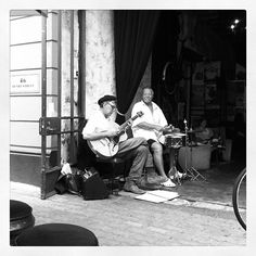 @pippamoffatts photo: Two man jazz band #oldschool #studybreak #freo #mooreandmoore