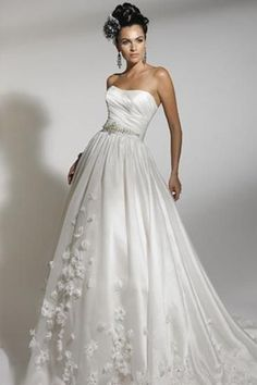 Jacquelin Bridal Gown 19878 love this without he flowers