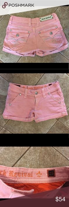 ADORABLE Rock Revival Shorts Size 25 In EUC, super cute and comfy Rock shorts! Perfect for summer time :) Rock Revival Shorts Jean Shorts