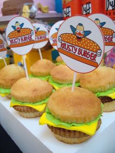 Krusty burgers at a Simpsons birthday party! See more party ideas at ! The Simpsons Theme, Simpsons Party, Birthday Bash, Birthday Party Themes, Happy Birthday, Bolo Simpsons, Burger Cupcakes, Burger Party, Homer Simpson