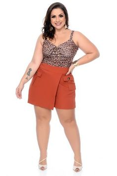 Short Saia Plus Size Amy Looks Plus Size, Curvy Girl Outfits, Girl With Curves, New Trends, Fit Women, Ideias Fashion, Short Dresses, Summer Outfits, Womens Fashion
