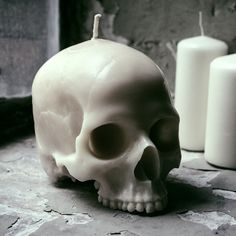 spookyloop: Skull Candle, at Firebox Cast from a real skull. But someone cool Burns for over one hundred hours Handmade in the UK Does not contain a large waxy brain So highly-detailed that people will think you dug it up yourself Skull Decor, Skull Art, Fake Tattoo, Real Skull, Skull Candle, Goth Home, Bath Body Works, Gothic House, Decoration Design