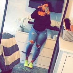 Jeans pants, the trend goes viral in Europe as well as now in Asian countries too. Here we share 30 tight jeans girls looking so hot of wearing jeans pants. Thick Girls Outfits, Curvy Outfits, Plus Size Outfits, Girl Outfits, Fashion Outfits, Fit Thick Girls, Fashion Trends, Thick Girl Fashion, Curvy Women Fashion