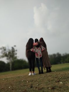 We're actually the female version of 3 idiots! Stylish Girls Photos, Stylish Girl Pic, Cool Girl Pictures, Girl Photos, Birthday Photography, Girl Photography, Hijabi Girl, Girl Hijab, Amazing Dp