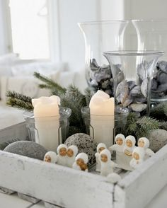 Modern Christmas 2015 ideas will show you the two main styles for the festive decor – a contemporary touch to traditional Christmas decorations and a Scandinavian Christmas Decorations, Scandi Christmas, Natural Christmas, Noel Christmas, Primitive Christmas, Modern Christmas, Winter Christmas, All Things Christmas, Christmas Crafts