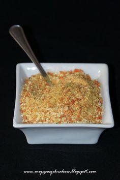Domowa wersja przyprawy warzywnej typu vegeta, ale pozbawiona glutaminianu sodu i tych wszystkich inozynianów czy jak je tam zwał...
