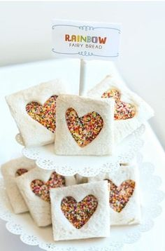 Rainbow fairy bread - so clever and so simple! Perfect party food for a Ben & Holly party Rainbow Birthday Party, Unicorn Birthday Parties, Birthday Ideas, 5th Birthday, Animal Birthday, Unicorn Diy, Ben E Holly, Rainbow Food, Rainbow Bread