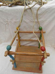 Holz-Kinderschaukel - so eine hing bei meinen Großeltern im Garten - mein liebster Platz <3